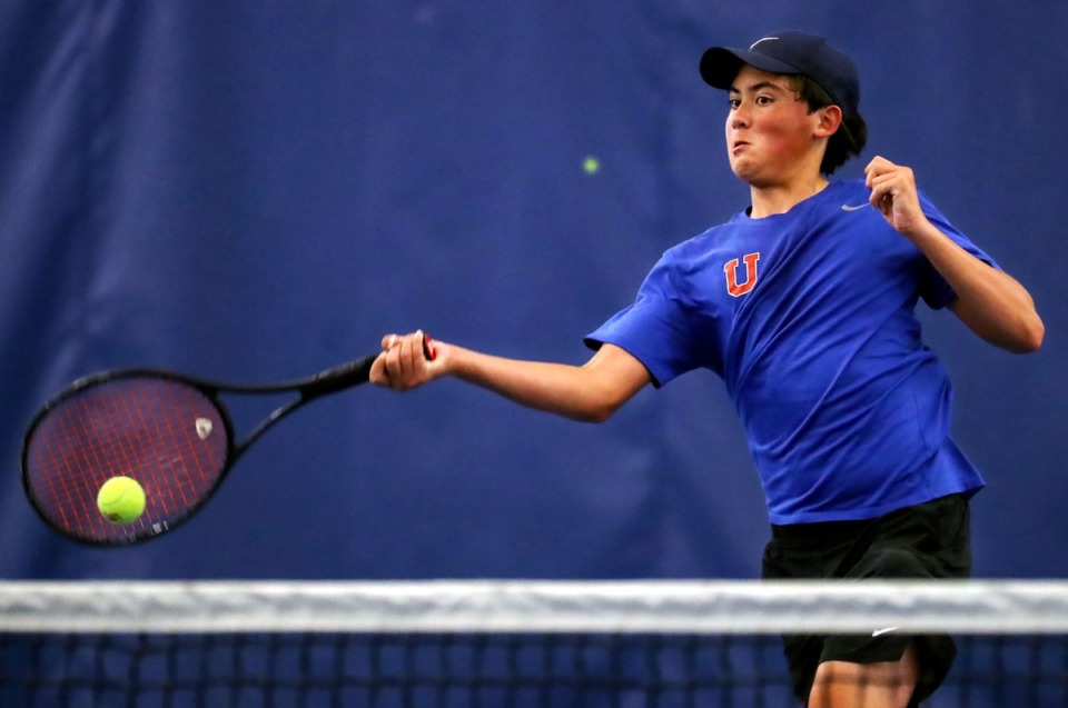 <strong>MUS tennis player Gabe Ungab returns a volley during a May 6, 2021, match.</strong> (Patrick Lantrip/Daily Memphian)