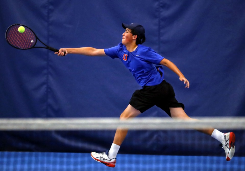 <strong>MUS tennis player Gabe Ungab stretches for the ball during a May 6, 2021, match.</strong> (Patrick Lantrip/Daily Memphian)