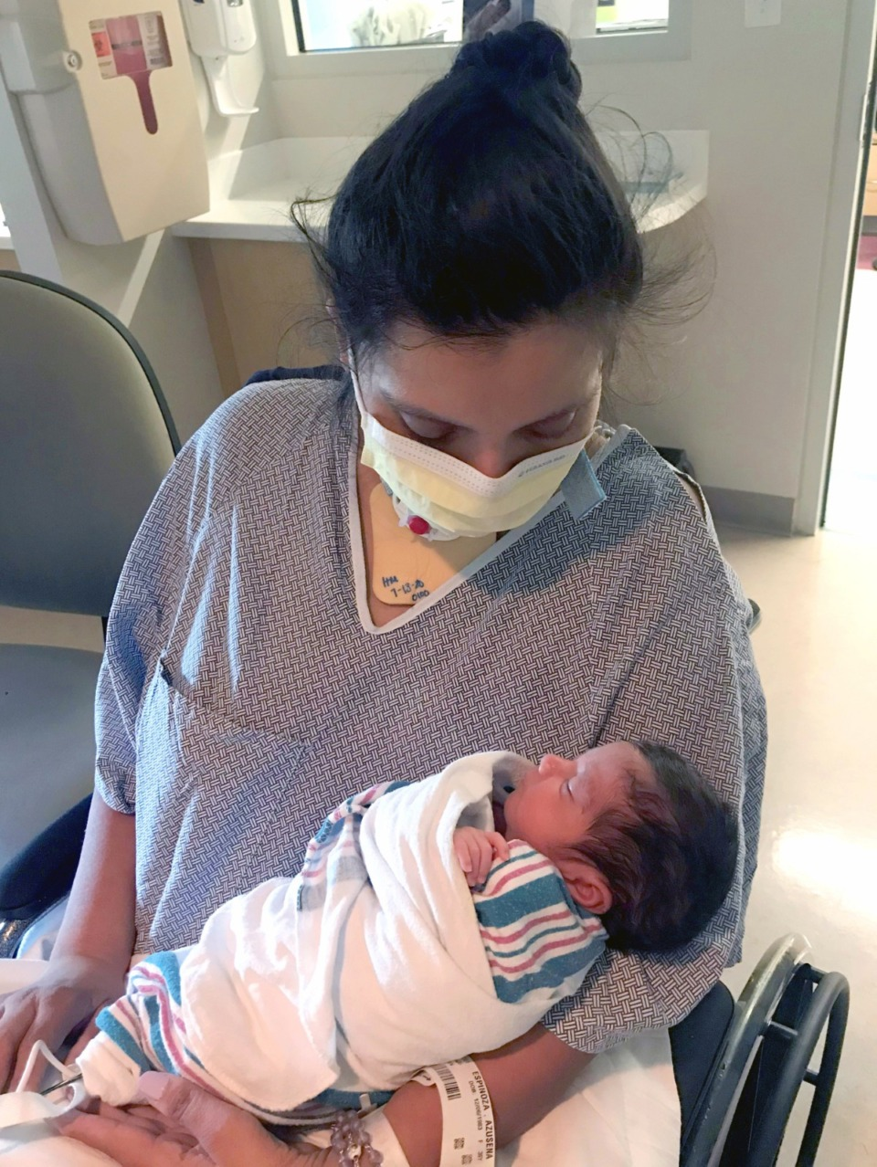 <strong>Susie Espinoza, who was in a coma when she gave birth to her son, met little Brandon in the NICU at Methodist LeBonheur Hospital Germantown.</strong> (Courtesy Methodist LeBonheur Healthcare)