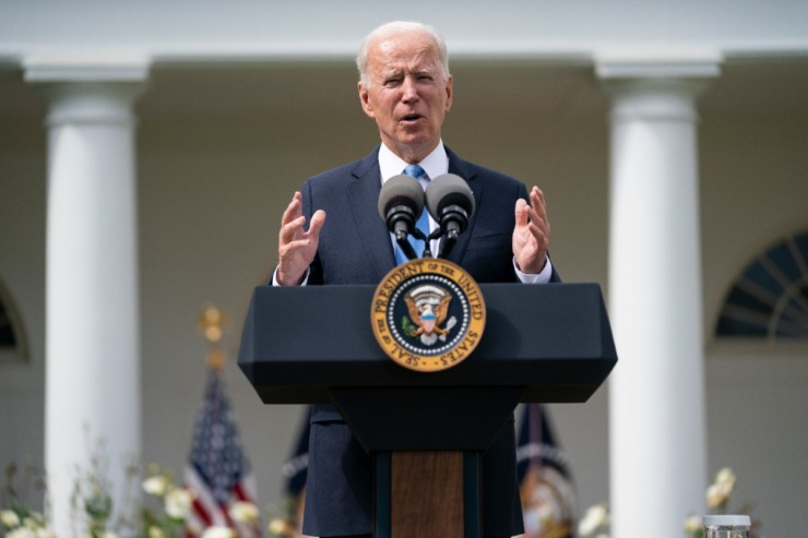 <strong>President Joe Biden speaks about updated guidance on mask mandates, in the Rose Garden of the White House, Thursday, May 13, 2021, in Washington.</strong> (Evan Vucci/AP)