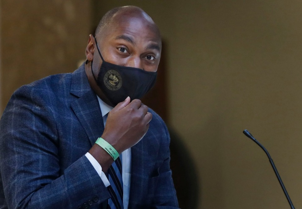 <strong>In a tweet Friday afternoon, Shelby County Mayor Lee Harris announced the end to the mask mandate for all fully vaccinated people.</strong> (Mark Weber/Daily Memphian file