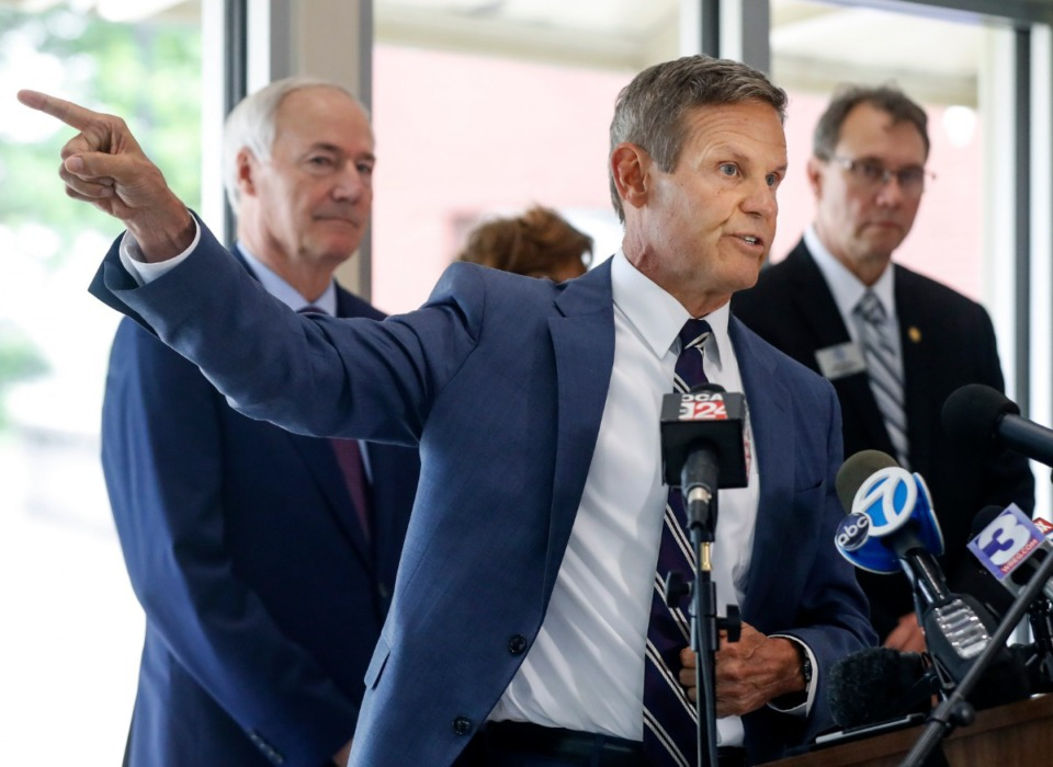 <strong>In a joint appearance, Tennessee Gov. Bill Lee (middle) and Arkansas Gov. Asa Hutchinson (left) said it&rsquo;s important to work quickly to repair the damage to the Hernando DeSoto Bridge, but not at the expense of safety.</strong> (Mark Weber/The Daily Memphian)