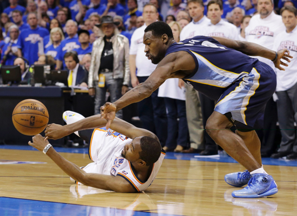 <strong>Tony Allen (right in file photo) was the first Grizzlies player to gain national recognition for his defense and flair. </strong>(AP Photo/Tony Gutierrez file)