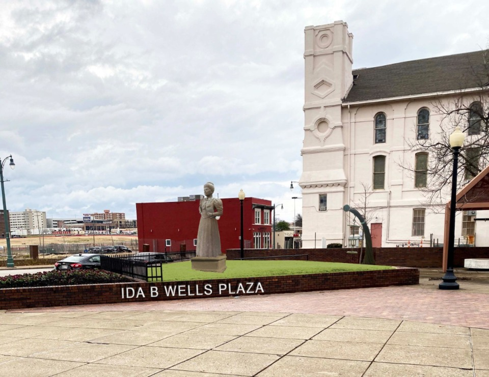 <div><strong>An imagined rendering of how the Ida B. Wells monument will appear in the Ida B. Wells Plaza.&nbsp;The&nbsp; monument, which will be unveiled on July 16, will stand at the corner of Beale and Fourth streets near First Baptist Church-Beale, across the street from where Wells&rsquo; newspaper once operated.</strong> (Submitted)</div>
