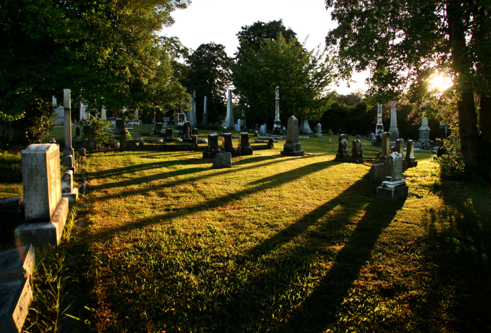 <strong>Elmwood Cemetery is offering a writing contest.</strong> (Daily Memphian file)