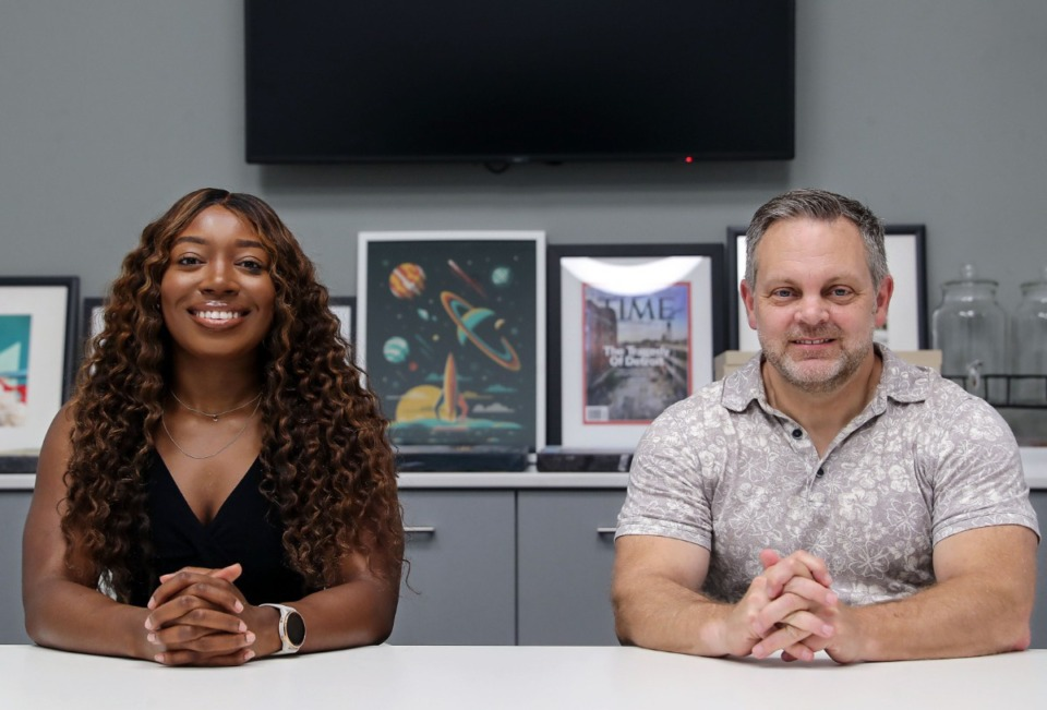 <strong>&ldquo;We want to help local founders get a good footing in the business they want to start,&rdquo; said Danielle Gore (left), program manager for ZeroTo510, at the Downtown office with facilitator Reuben Brunson.</strong> (Patrick Lantrip/Daily Memphian)