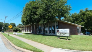 <strong>The Frayser Library, seen here in 2019, was once the smallest branch in the Memphis public library system.</strong> (Daily Memphian file)