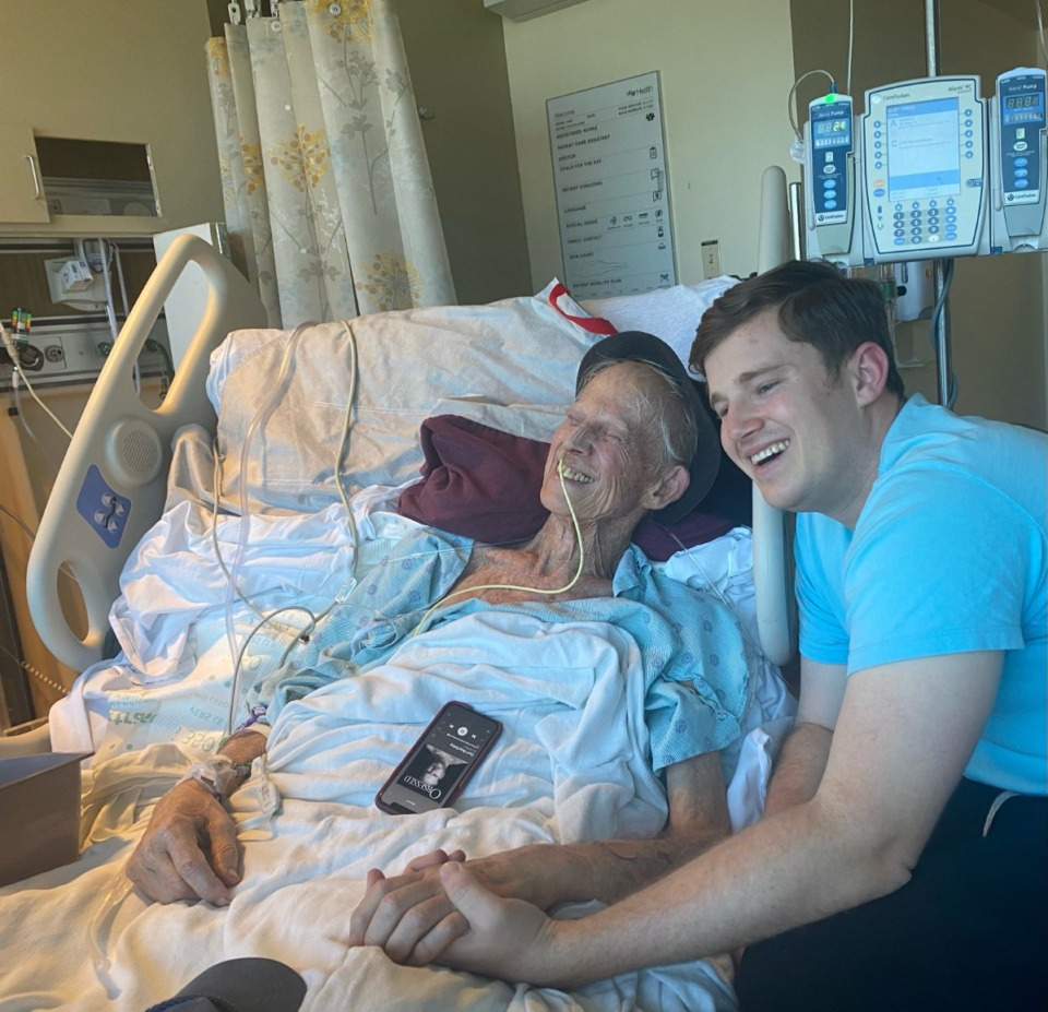 <strong>WMC-TV reporter Chris Luther, right, watches the Warriors in a Bay Area hospice with his father, Golden State fan Tom Luther.</strong> (Courtesy Chris Luther)