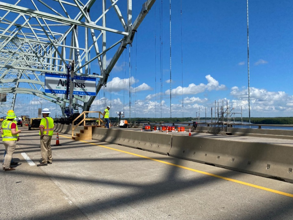<strong>Work continues to repair the cracked Hernando DeSoto Bridge. Transportation officials are still hoping for the bridge to open later this month.</strong>&nbsp;(Bill Dries/Daily Memphian file)