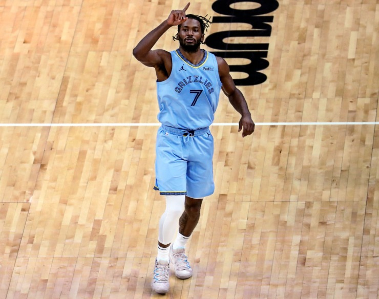 Memphis Grizzlies Justise Winslow (7) motions to the crowd after scoring his first points as a Grizzly during a Feb. 20, 2021 game at the FedExForum. (Patrick Lantrip/Daily Memphian file)