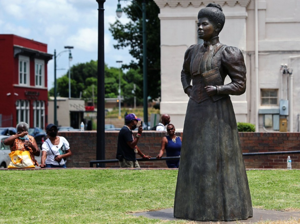 <strong>The newly unveiled statue of Ida B. Wells stands at the intersection of Fourth and Beale streets.</strong> (Patrick Lantrip/Daily Memphian)