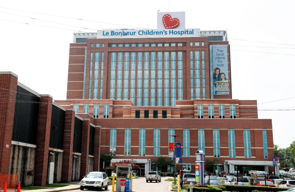 <strong>More than 100 physicians at Le Bonheur Children&rsquo;s Hospital crowded into a meeting Wednesday, hoping to speak candidly to Methodist and UT leadership.</strong> (Patrick Lantrip/Daily Memphian)