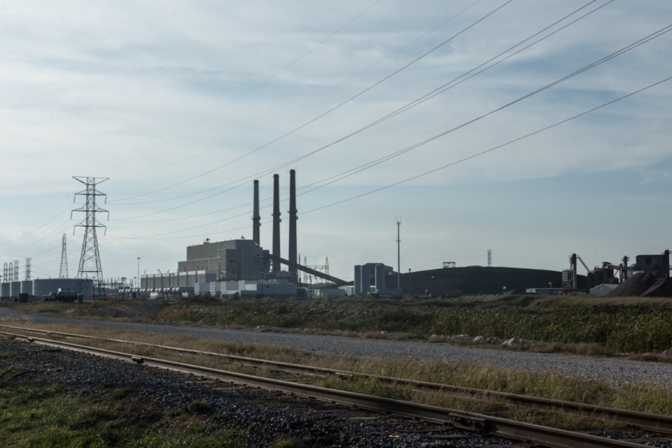 <strong>The TVA is rethinking its tentative plan to move coal ash from the old Allen Fossil plant in southwest Memphis to a landfill near Memphis International Airport.</strong> (Daily Memphian file)