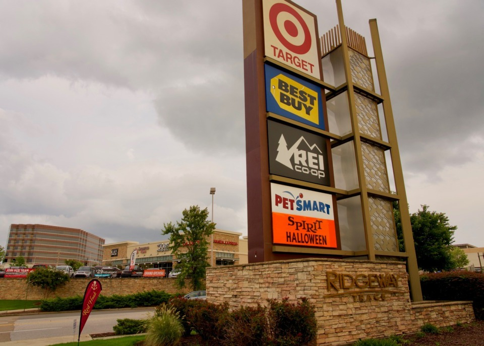 <strong>Ridgeway Trace shopping center, near I-240 and Poplar, sold this week for nearly $38 million.</strong> (Tom Bailey/Daily Memphian)