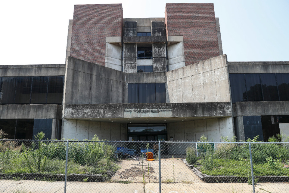 <strong>Boling Center for Developmental Disabilities building at 711 Jefferson on Thursday, July 29, 2021, is scheduled for demolition.</strong> (Mark Weber/The Daily Memphian)