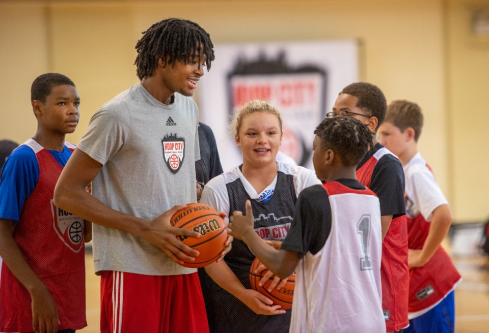 <strong>Jonathan Lawson talks to kids attending the Hoop City Jonathan Lawson Basketball Camp in Collierville,&nbsp; Monday, August 2, 2021.</strong> (Greg Campbell/Special to The Daily Memphian)
