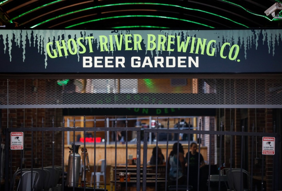 <strong>The new Ghost River Brewing Co. on Beale Street features an outdoor beer garden.</strong> (Mark Weber/Daily Memphian)