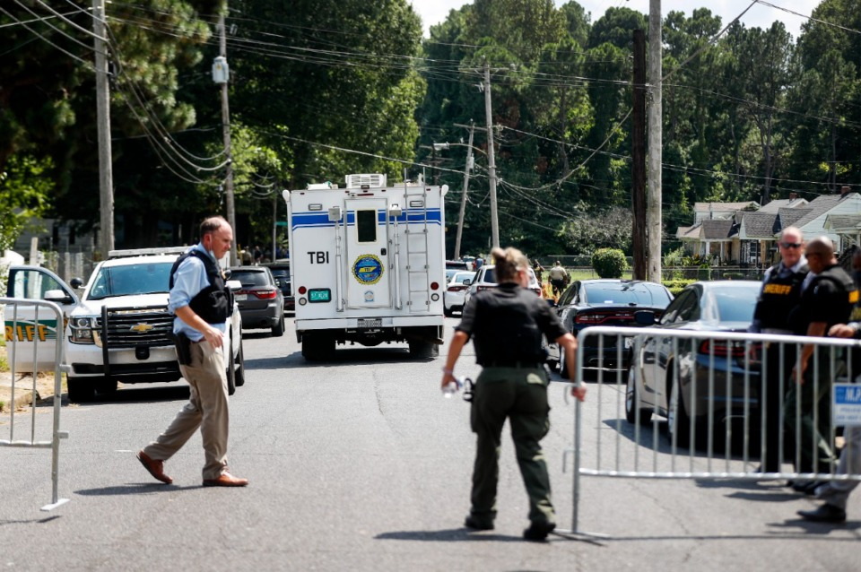 <strong>A Tennessee Bureau of Investigation unit arrives on the scene.</strong> (Mark Weber/The Daily Memphian)
