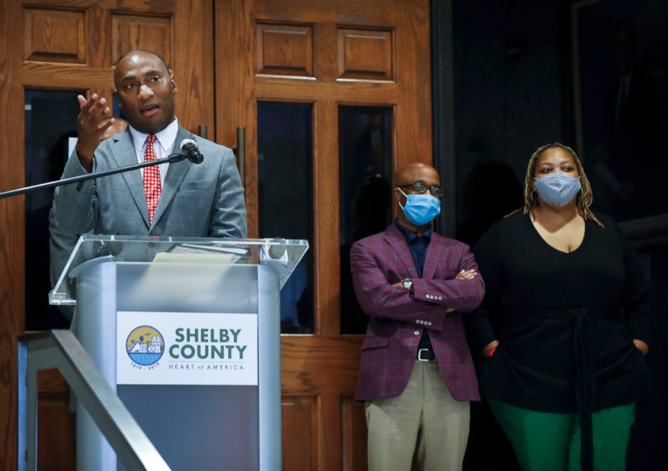 <strong>Shelby County Mayor Lee Harris (left, successful  record  photo) and the County Commission are astatine  likelihood  aft  Harris utilized  a uncommon  veto and past    the County Commission voted earlier this period  to override that veto.</strong> (Mark Weber/The Daily Memphian file)