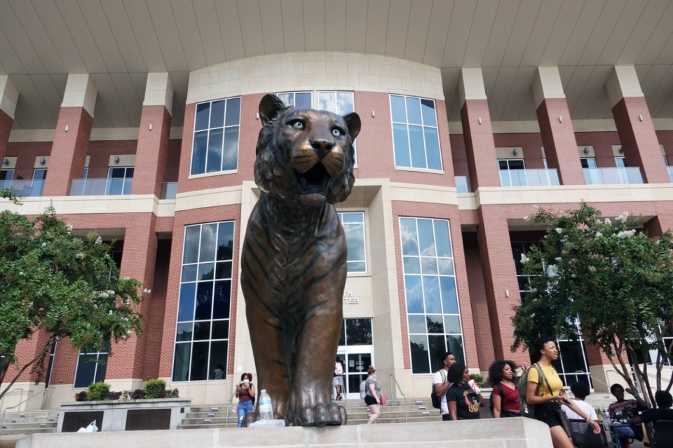 <strong>University of Memphis students returned to campus Monday, Aug. 23, 2021. The university is pushing forward with efforts to make the COVID vaccination mandatory on campus.&nbsp;</strong>(Karen Pulfer Focht/Special to The Daily Memphian)