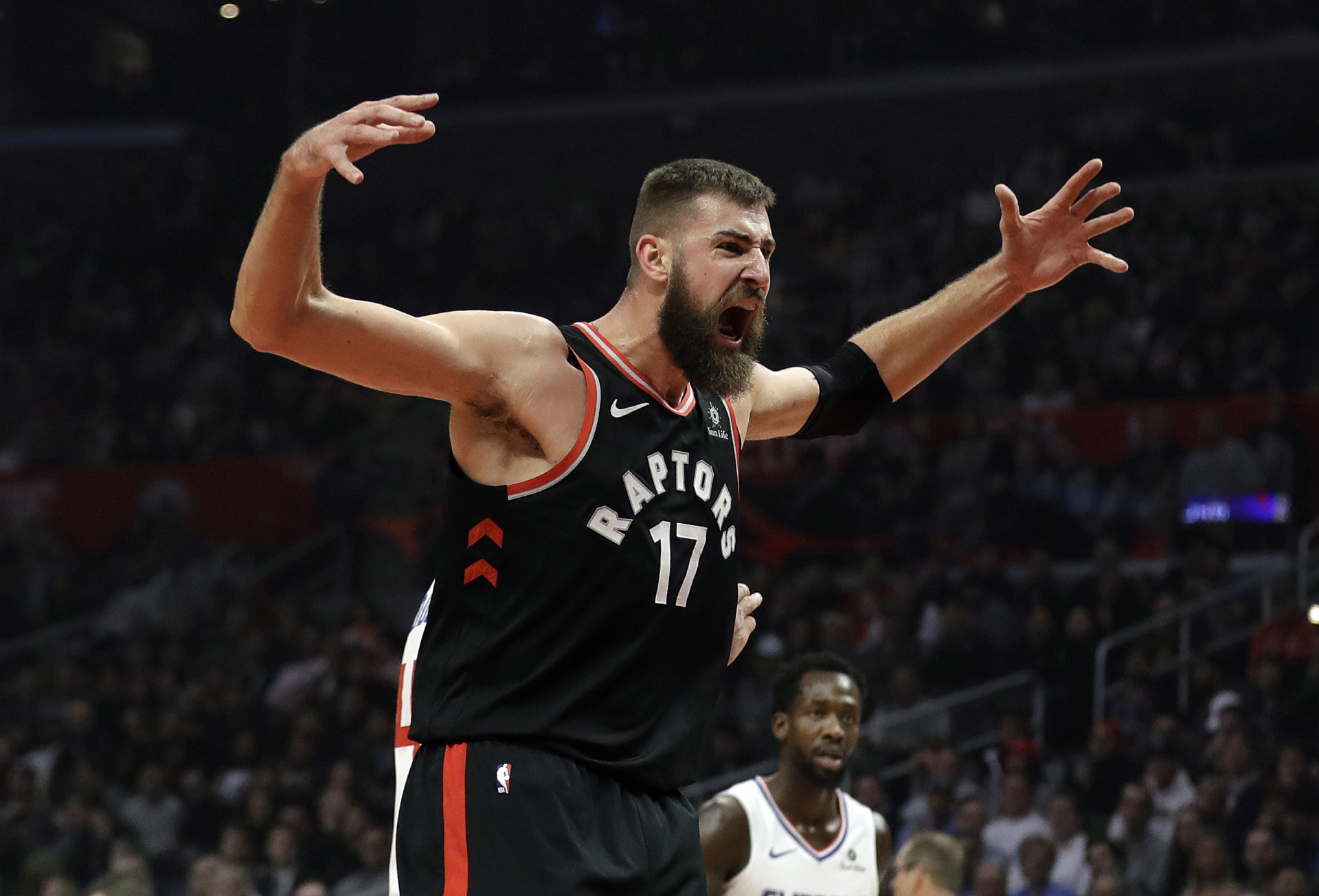 <span><strong>Toronto Raptors' Jonas Valanciunas (17) reacts after scoring against the Los Angeles Clippers during the first half of an NBA basketball game, Tuesday, Dec. 11, 2018, in Los Angeles.</strong> (AP Photo/Marcio Jose Sanchez)</span>