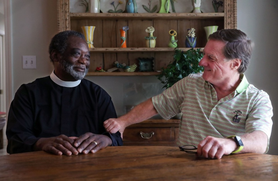 <strong>Rev. Colenzo Hubbard and Lee Giovannetti share a laugh at Giovannetti's East Memphis home.</strong> (Patrick Lantrip/Daily Memphian)