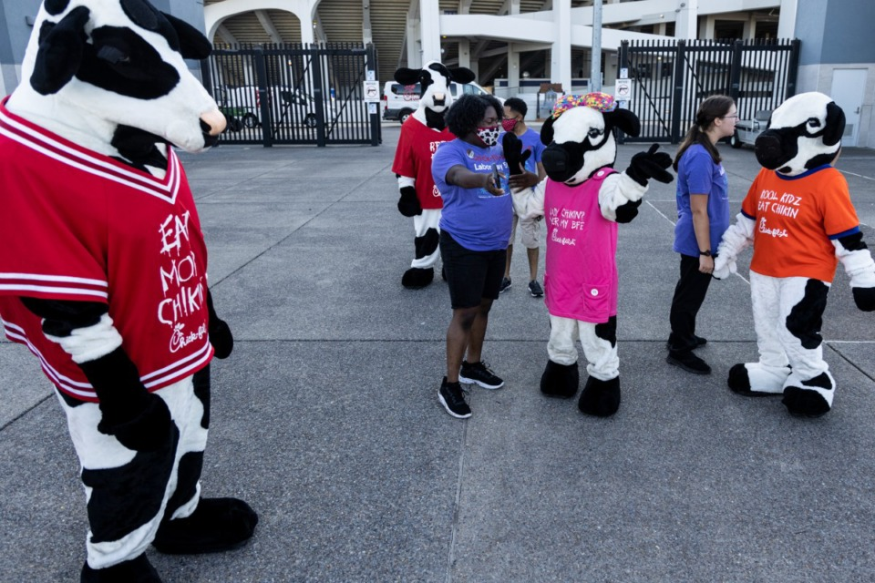 <strong>The annual&nbsp;Chick-fil-A 5K celebrated its 18th year Monday, Sept. 6, with a run through Cooper-Young supporting My Town Miracles.</strong>&nbsp;(Brad Vest/Special to The Daily Memphian)&nbsp;