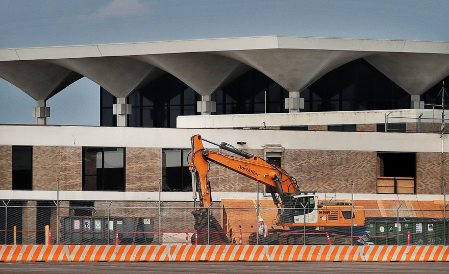 <strong>Memphians get a glimpse of the $245 million modernization project underway on B Concourse during Memphis International Airport's World Class Tour. The free bus tours offer a behind-the-scenes look at the airport and FedEx hub.</strong> (Jim Weber/Daily Memphian)