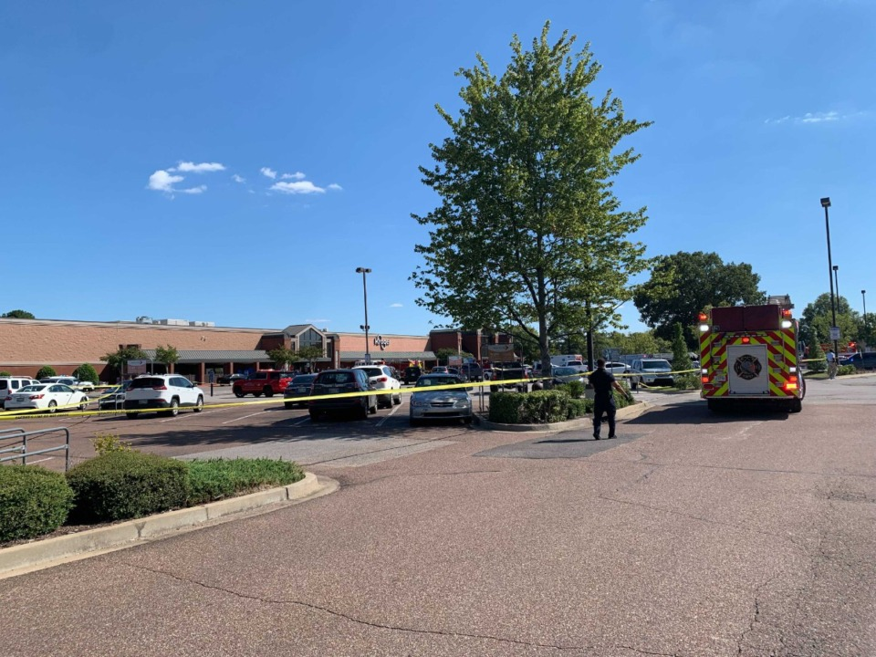 <strong>Initial reports indicate multiple people were injured at the Kroger on Byhalia Road in Collierville.</strong> (Abigail Warren/The Daily Memphian)