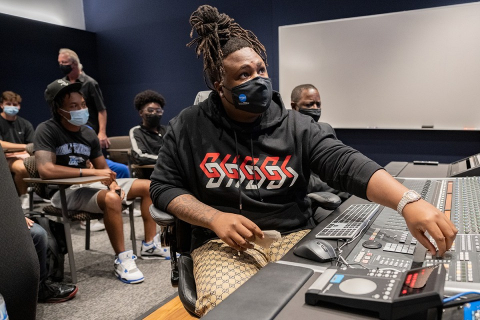 <strong>Memphis native and music producer Brytavious &ldquo;Tay Keith&rdquo; Chambers turns up the volume to one of his produced tracks Wednesday, Sept. 29, on the campus of his alma mater, Middle Tennessee State University, during a special &ldquo;sneak-peek&rdquo; visit to the MTSU Department of Recording Industry&rsquo;s new studios on campus</strong>. (Photo by Cat Curtis Murphy)
