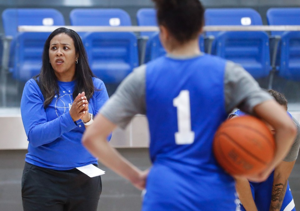 <strong>University of Memphis Lady Tigers head coach Katrina Merriweather (left) explains a play during practice on Friday, Oct. 1, 2021.</strong> (Mark Weber/The Daily Memphian)