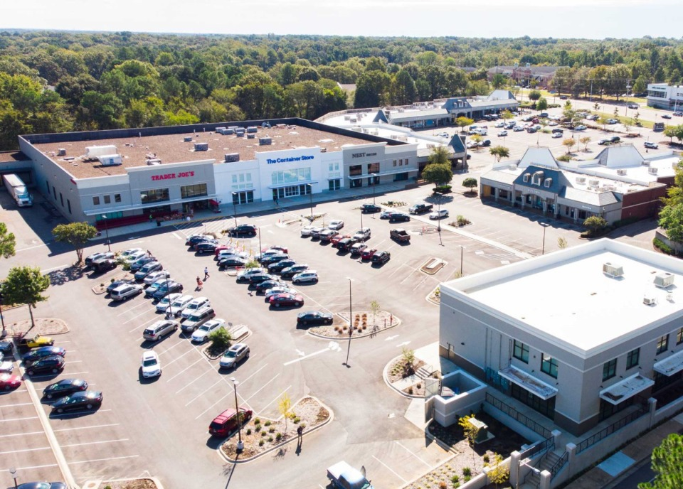 <strong>Trader Joe&rsquo;s and the Container Store anchor the Germantown Collection specialty retail center.&nbsp;They are the only locations for both retailers in the Memphis area.&nbsp;</strong>(Courtesy of&nbsp;CBRE)