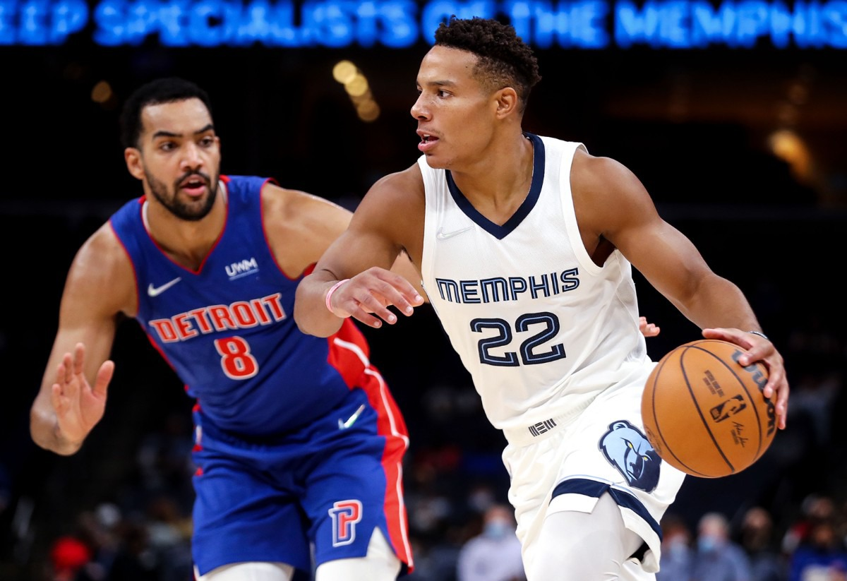 <strong>Grizzlies guard Desmond Bane (22) drives to the lane during the Oct. 11, 2021, preseason game against the Detroit Pistons.</strong> (Patrick Lantrip/Daily Memphian)
