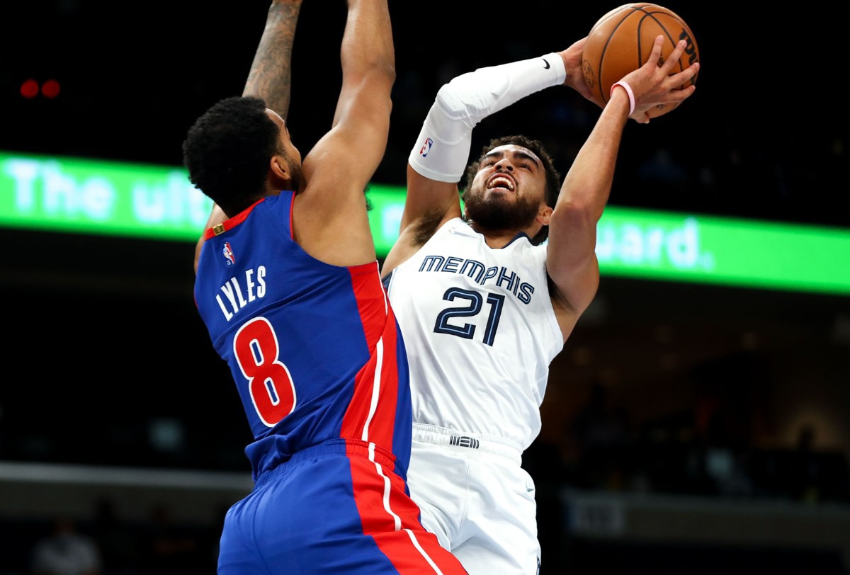 <strong>Grizzlies guard Tyus Jones goes up for a contested layup during the Oct. 11 preseason game against the Detroit Pistons.</strong> (Patrick Lantrip/Daily Memphian)