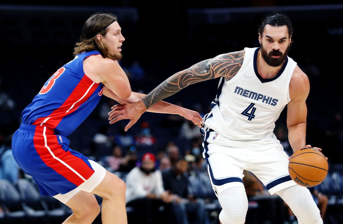 <strong>Grizzlies center Steven Adams (4) tries to get around a defender during the Oct. 11 preseason game against the Detroit Pistons.</strong> (Patrick Lantrip/Daily Memphian)