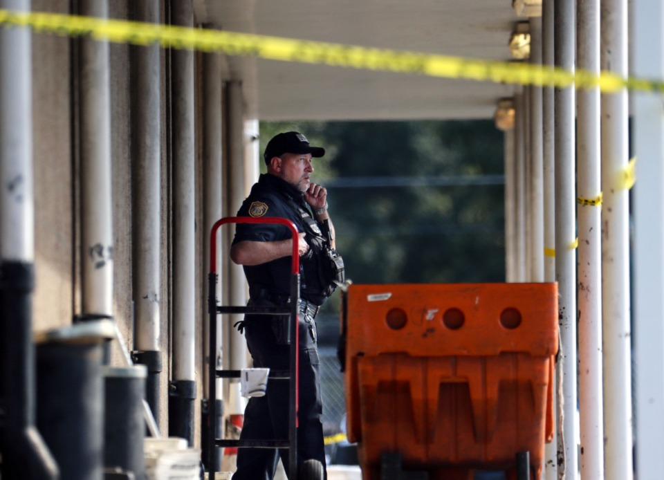 <strong>Memphis Police Department officers work the scene of a postal facility in Orange Mound after a shooting Oct. 12, 2021.</strong> (Patrick Lantrip/Daily Memphian)
