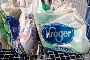 <strong>An apparent theft has left customers at the Kroger on Union Avenue searching for shopping carts.</strong> (AP file/Rogelio V. Solis)