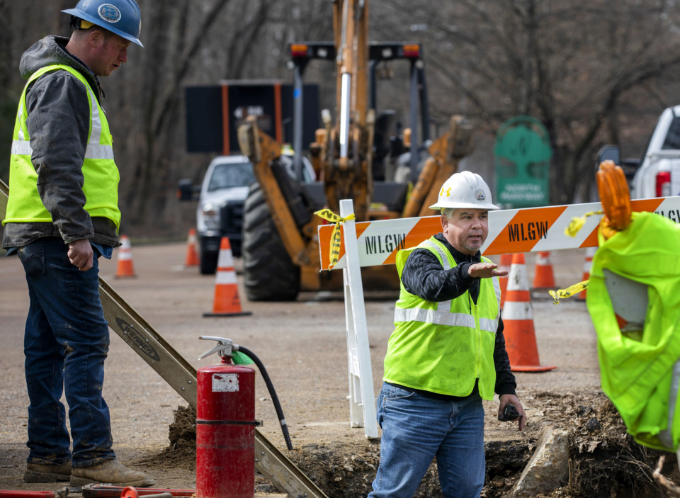 <strong>Nolan Baker (right), general foreman for Memphis Light, Gas and Water Division, gives instructions to his work crew as they work on a gas line on North Parkway Monday, Feb. 18, 2019. The Memphis City Council is expected to vote Tuesday on rate hikes that would raise the average monthly residential bill 10.5 percent over five years.</strong>&nbsp;(Houston Cofield/Daily Memphian)
