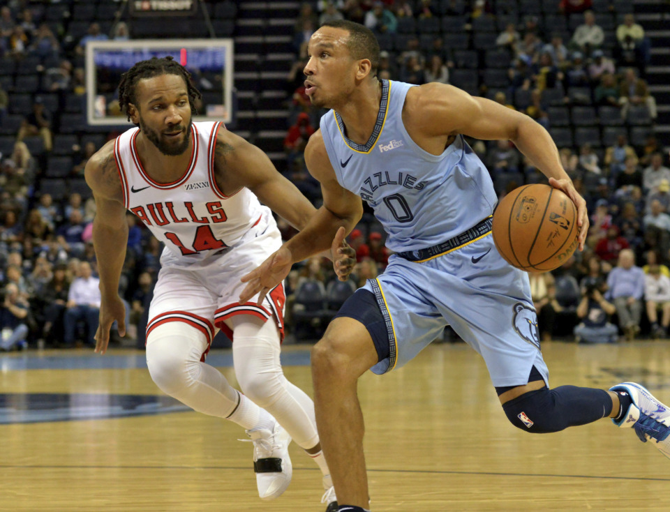 <span><strong>Memphis Grizzlies guard Avery Bradley (0) handles the ball against Chicago Bulls guard Wayne Selden (14) Wednesday, Feb. 27, 2019, in Memphis, Tenn.</strong> (AP Photo/Brandon Dill)</span>
