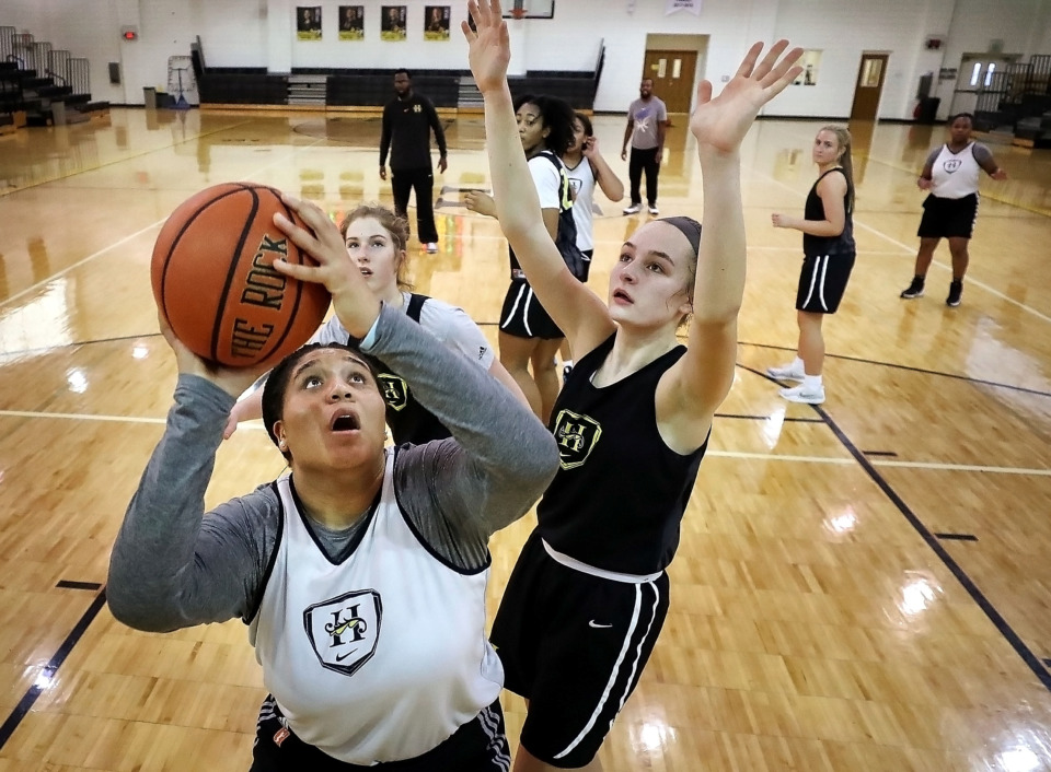<strong>Kaia Burnett (left) and Maxine Engel are two of the sophomore standouts on a Hutchison team that will play its first state tournament game in 17 years on Thursday. </strong>(Jim Weber/Daily Memphian)