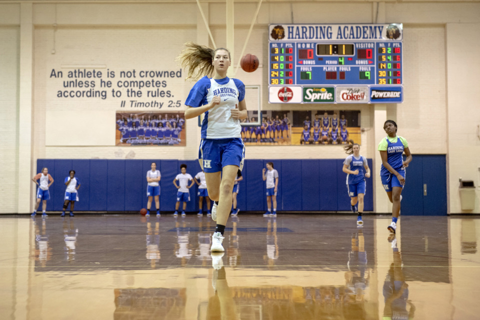 <strong>The Harding Academy girls basketball team practices at the school on Feb. 25, 2019 in Memphis, Tenn.</strong> (Brandon Dill/Special To The Daily Memphian)