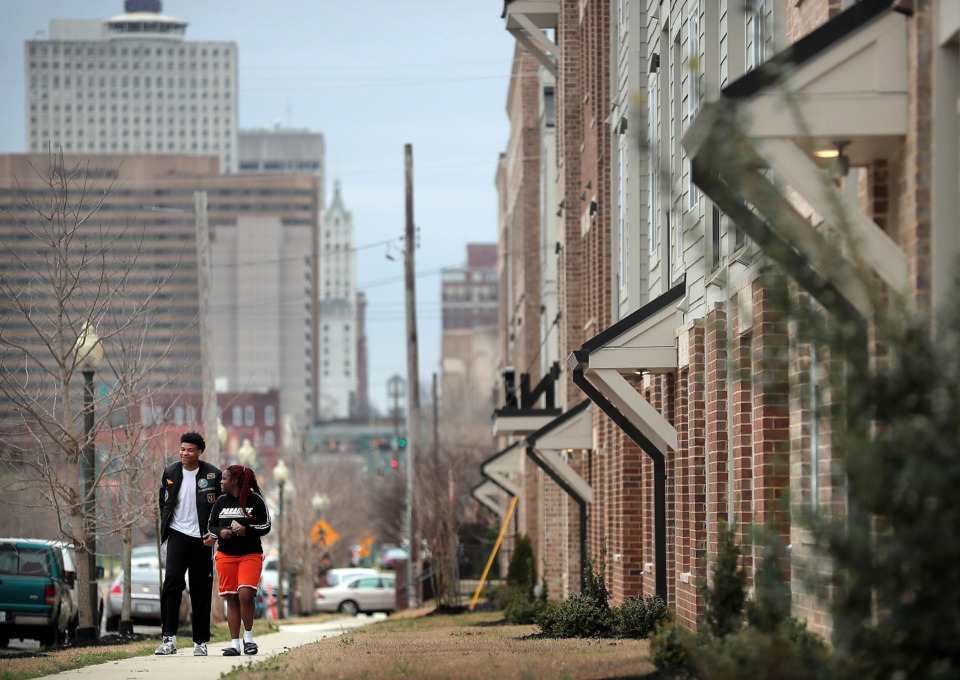 <strong>Some Uptown residents are complaining that Elmington Capital Group's existing apartments in Uptown, Uptown Flats, have created litter and congested parking, prompting Memphis City Councilman Berlin Boyd to work against another affordable-housing apartment by the developer, saying that Uptown's aspirations for a mix of incomes has not yet been realized.</strong> (Jim Weber/Daily Memphian)
