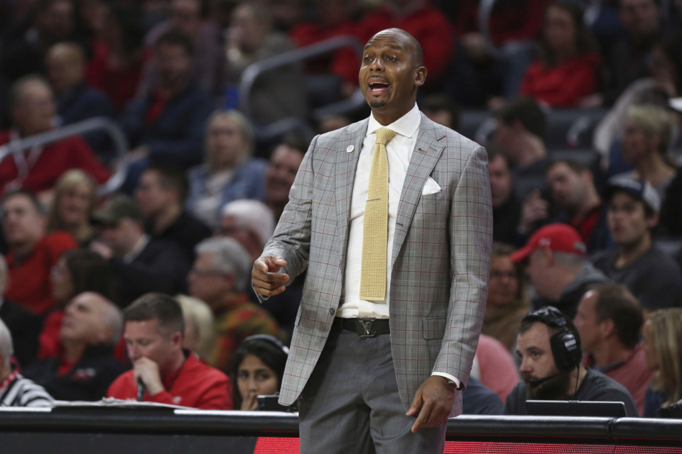 <strong>University of Memphis head coach Penny Hardaway reacts during a&nbsp; game against the Cincinnati Bearcats on March 2nd 2019, at Fifth Third Arena in Cincinnati.&nbsp;</strong> (Icon Sportswire via AP Images)