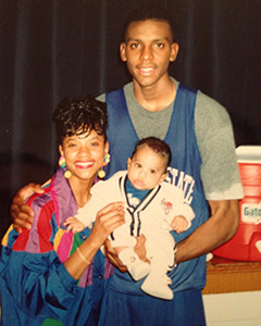 <strong>Trey Draper with mother Wanda <br />and Penny Hardaway, 1992</strong>