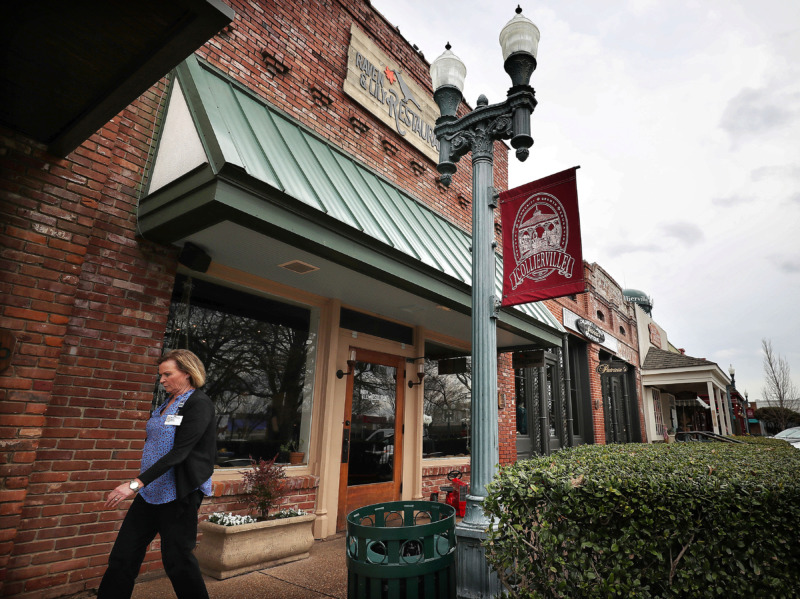 <strong>Justin and Amy Young have moved their restaurant Raven & Lily to Collierville's historic town square from Oakland.</strong> (Jim Weber/Daily Memphian)