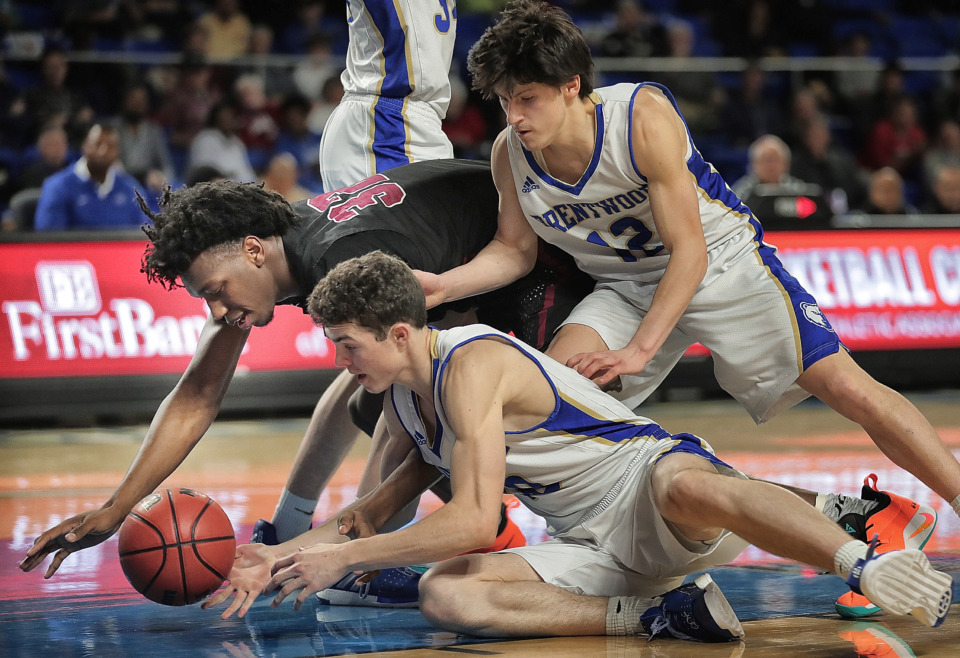 <strong>East's James Wiseman (32) battles for a loose ball with Brentwood's John Windley (center) and Preston Moore (12) during East High School's TSSAA Class AAA semifinal game against Brentwood at MTSU in Murfreesboro on March 15, 2019.</strong> (Jim Weber/Daily Memphian)