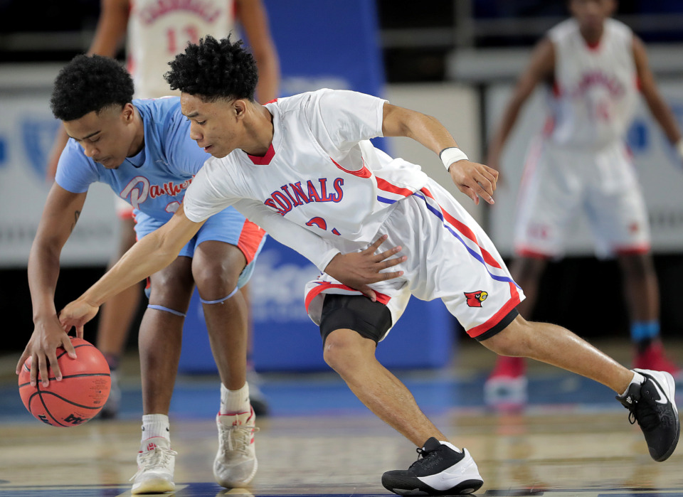 <strong>Kevin Brown Jackson (right) scrambles for a loose ball with Brainerd's Keven Halfacre during Wooddale's TSSAA Class AA semifinal game against Brainerd at MTSU in Murfreesboro on March 15, 2019.</strong> (Jim Weber/Daily Memphian)