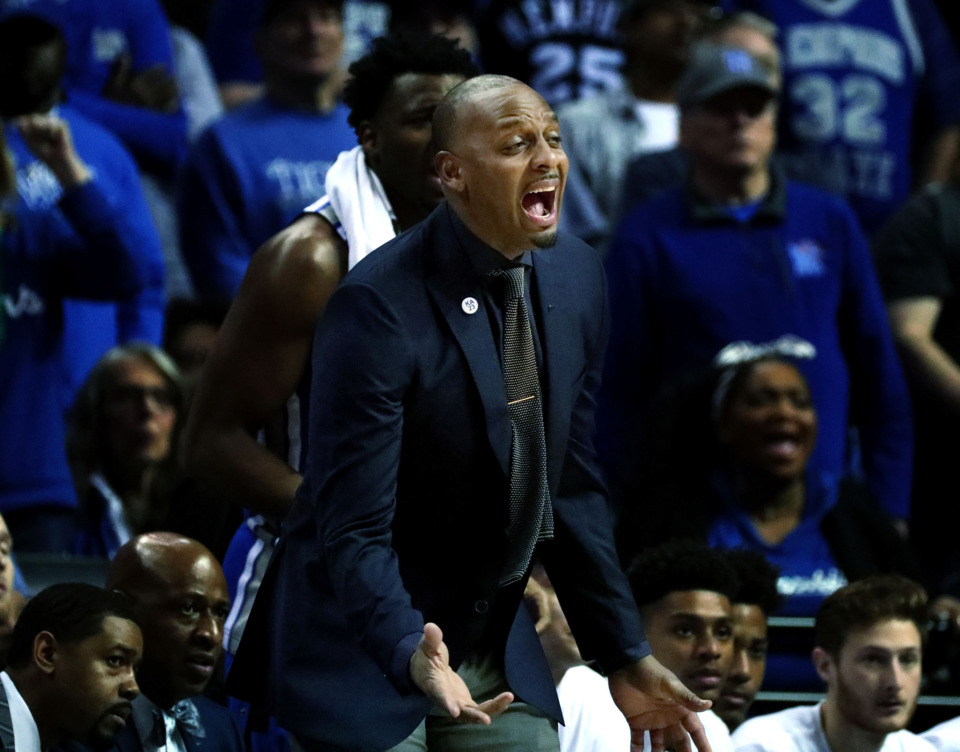 "<strong>University of Memphis basketball coach Penny Hardaway shouts to his team after the Tigers gave up a basket on defense<span class=""s1"">during a semifinal game against Houston in the American Athletic Conference tournament on Saturday, March 16, 2019, at FedExForum in Memphis.</span></strong><span class=""s1""> </span><span class=""s1"">(Houston Cofield/Daily Memphian)</span>"