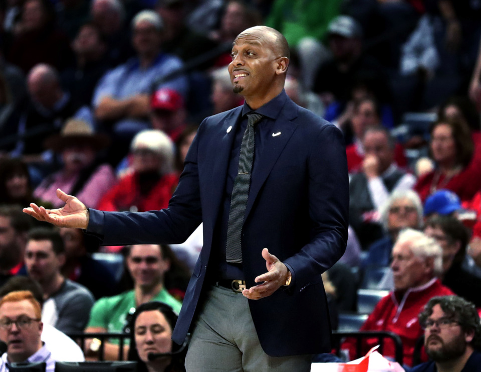 "<strong>University of Memphis basketball coach Penny Hardaway reacts to a call from the referee&nbsp;</strong><span class=""s1""><strong>during a semifinal game of the American Athletic Conference tournament against Houston on Saturday, March 16, 2019.</strong> (Houston Cofield/Daily Memphian)</span>"