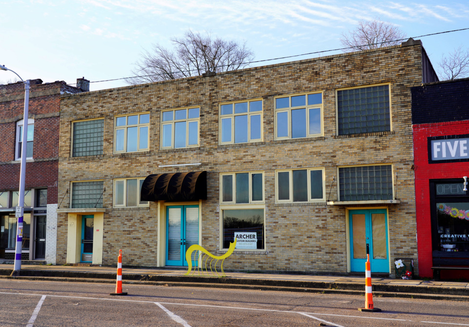 <strong>A building at 2537 Broad Avenue will soon undergo a $200,000 renovation. The bottom floor will have two separate shops, one operated by interior designer Elizabeth Malmo and the other by Gracey Smythe and Biggs Powell.</strong> (Tom Bailey/Daily Memphian)